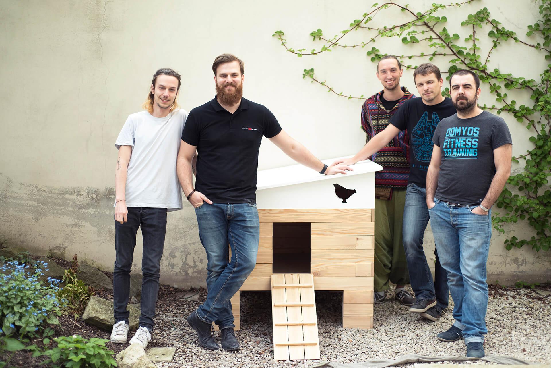 L'équipe du poulailler connecté Eggs iting